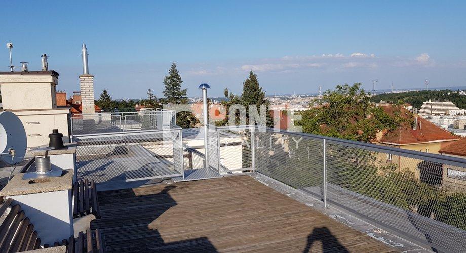 Střešní terasa