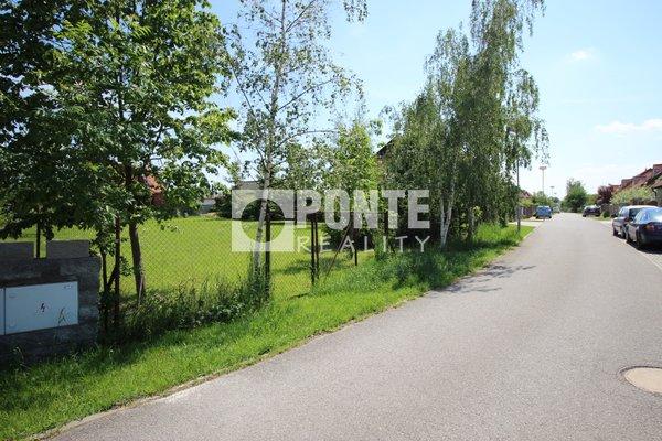 Prodej pozemku pro bydlení 754 m2 v obci Horoušánky, okres Praha-východ