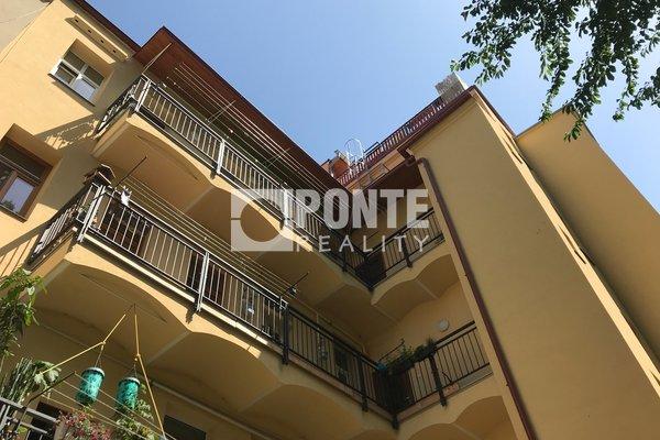 Prodej bytu 1+1, 36 m2, ul. Křížová, Praha - Smíchov, OV, 2.NP, cihla