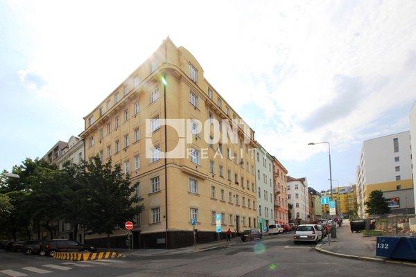 Pronájem bytu 1+1, 41m², Praha 3 - Žižkov, ulice Ostromečská