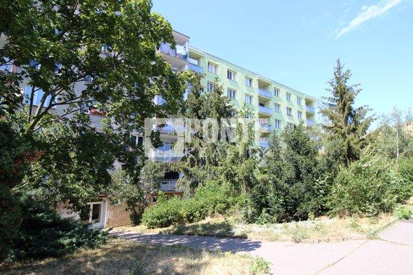 Prodej bytu 2+kk, 35m², Praha 4 - Kamýk, Zvolská ulice, OV, 4.NP, panel