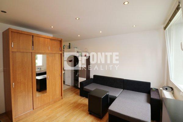 Prodej bytu 1+KK 24 m2, Praha 8 - Čimice, ul. Křivenická, DV, panel