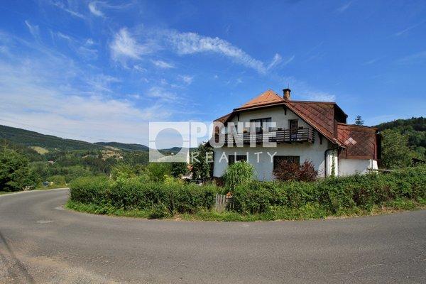 Prodej domu 7+2, 2 bytové jednotky,  obytná plocha 287 m², zastavěná plocha 398 m², pozemek 811 m2, Tanvald