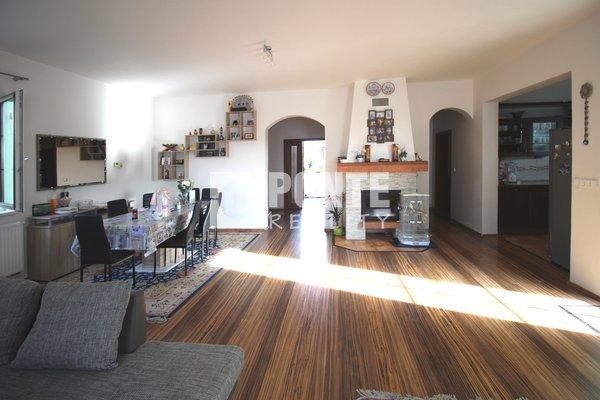 Nabízíme vilu 6+1, 201 m2, v obci Dobřejovice, okres Praha-východ