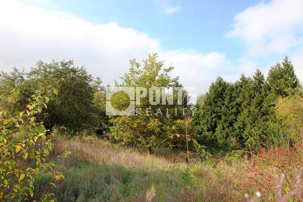 Prodej stavebního pozemku 2.110 m2 v obci Průhonice, okres Praha-západ