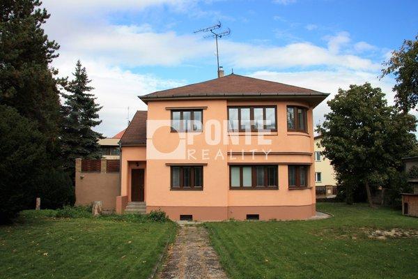 Prodej rodinného domu 5+1 se zahradou 1161 m2, Praha - Kunratice