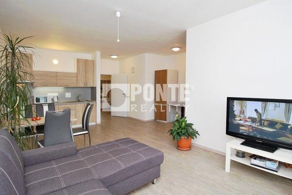 Prodej bytu 3+kk/B, výměra 77 m2, cihlový dům, OV, 2.NP/5NP, Český Brod, ulice Palackého