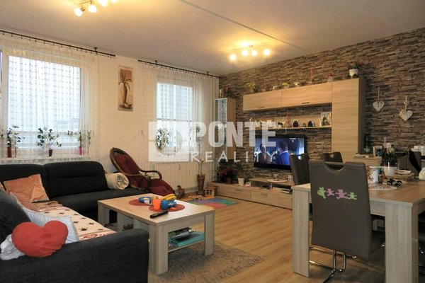 Prodej bytu 3+1/B, 78 m2, ul. Budapešťská, Tábor, OV, 8.NP, panel