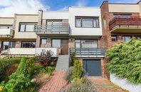 Prodej rodinného domu 7+1, 215 m², na pozemku 243 m², Praha 6 - Dejvice, cihla