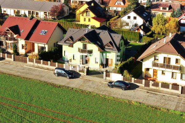 Nabízíme vilu 6+1, 201 m2, obec Dobřejovice, okres Praha-východ
