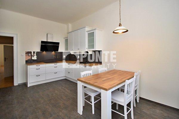 Pronájem bytu s dispozicí 3+1, výměra 115 m², Praha 2 - Vinohrady, ulice Korunní, 5. NP/6 NP s výtahem