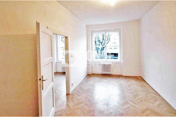 Pronájem bytu 2+kk, 50 m², balkon, Praha - Vršovice, Na Louži