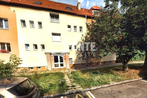 Prodej bytu 3+1, 72 m2, ul. Tvrdého, Praha - Letňany, OV, 1.NP, cihla