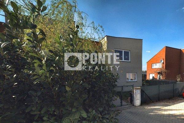 Prodej řadového rodinného domu, Jenštejn, okres Praha - východ