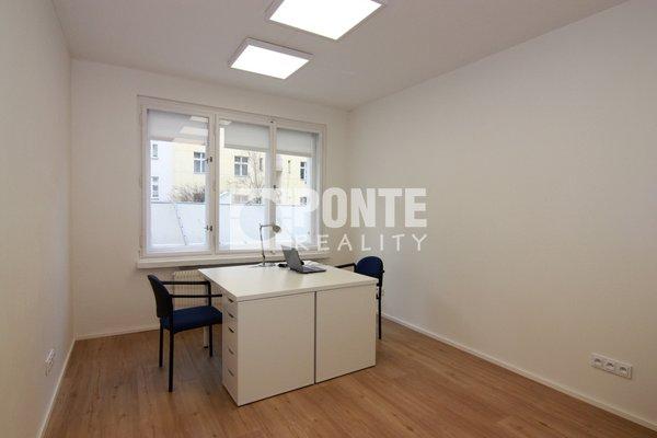 Pronájem kanceláře 13 m2 s kompletním zázemím, Puškinovo náměstí, Praha 6 - Bubeneč