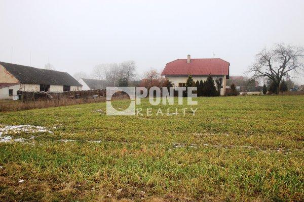 Prodej pozemku pro bydlení 1000 m2, Jindřichův Hradec část Dolní Radouň