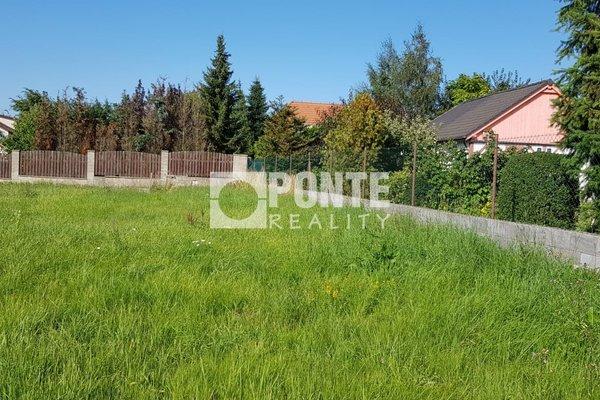 Prodej stavebního pozemku, 1373 m², obec Sulice - Hlubočinka, okres Praha - východ