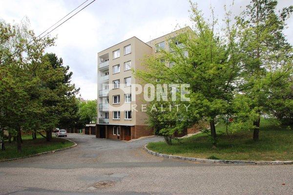 Prodej bytu 3+1, 89 m², ul. Fűgnerova, Slaný, okres Kladno, OV, 4.NP, cihla, garáž