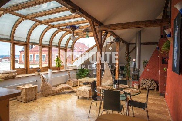 Pronájem kancelářských prostor 280 m2, terasa 20 m2, Praha 2 - Vinohrady, ul. Jana Masaryka