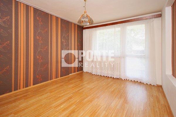 Pronájem bytu s dispozicí 3+1/2B, výměra 98 m², ulice Vidimská, Praha 8 - Čimice, 2.NP/3 NP, cihlový dům