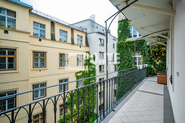 Prodej  bytu 3+kk, 99 m², Praha - Staré Město, ul. Benediktská, 3. patro, OV, výtah