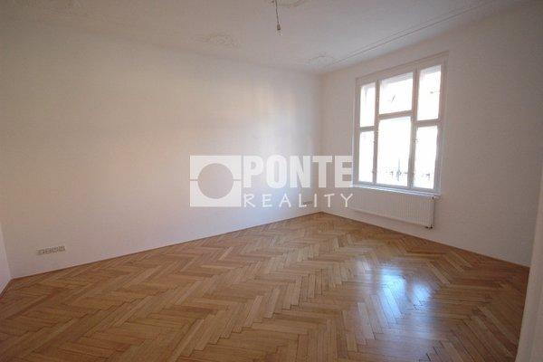 Pronájem kancelářských prostor 50 m2, balkon, Praha 1 - Staré Město, ul. Elišky Krásnohorské