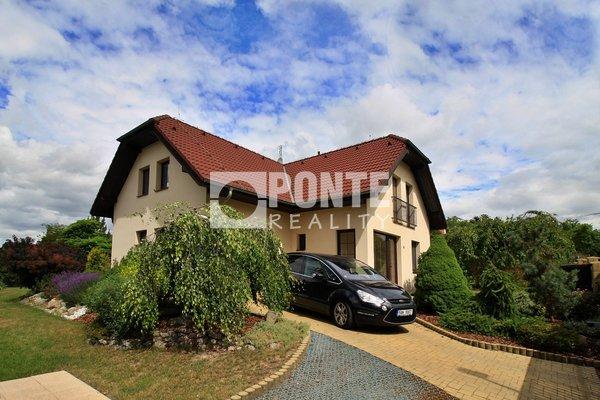 Pronájem rodinného domu 5+kk, 167m², pozemek 715 m2, Praha 10 - Kolovraty, Lipany