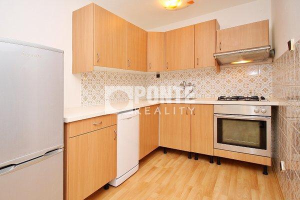 Pronájem bytu 2+kk/T, výměra 43 m², ulice Vidimská, Praha 8 - Čimice, 1.NP/3 NP, cihlový dům