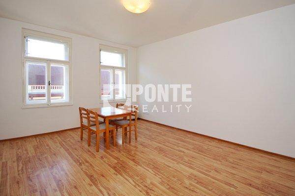 Pronájem bytu s dispozicí 1+kk, výměra 32 m², 4.NP, Praha 7, ul. Bubenská