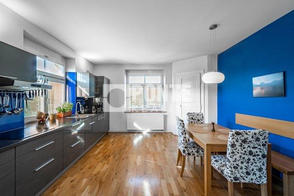 Prodej bytu 5+1,136m², 2 parkovací stání, podíl na nebytových prostorách, ul. Pikovická, Praha 4 - Braník, OV, 3.NP, cihla