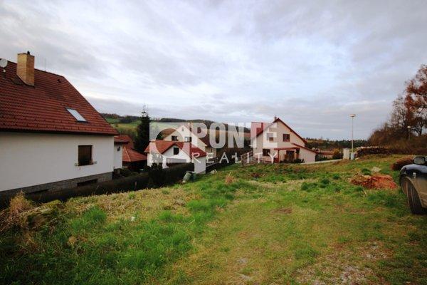 Prodej stavebního pozemku 595 m2, Louňovice pod Blaníkem, okres Benešov