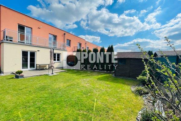 Nabídka řadového rodinného domu 4+kk,151 m2, pozemek 312 m2, Praha - Třeboradice