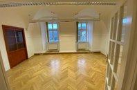 Pronájem krásné kanceláře 26 m²,  Praha 1 - Hradčany, Loretánské náměstí