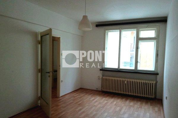 Nabídka prodeje bytu 2+1, 60 m2, ul. Krakovská, Praha - Nové Město, OV, 4.NP, cihla