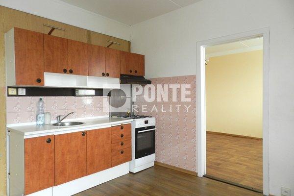 Pronájem bytu 3+1, 75 m², nám. Přátelství, Tábor, DV, 12.NP, panel