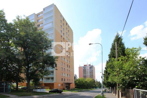 Nabídka prodeje bytu 2+1/L, 62 m2, ul. Údolní, Praha - Braník, OV, 13.NP, panel