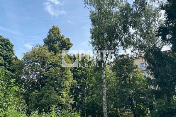 Prodej pěkného bytu 2+kk, 30 m², ul. U Hráze, Praha 10 - Strašnice, DV, 2.NP, cihla