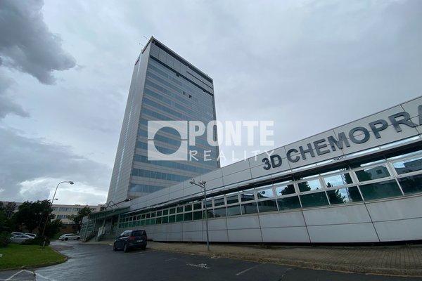 Pronájem kanceláře v open space v administrativní budově Shiran Tower, 27 m2, Praha 6 - Vokovice, ul. Lužná