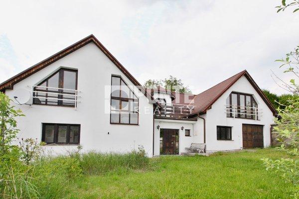 Prodej rodinného domu 3+1, obytná plocha 170 m², zastavěná plocha 207 m², pozemek 1699 m², Kamýk nad Vltavou