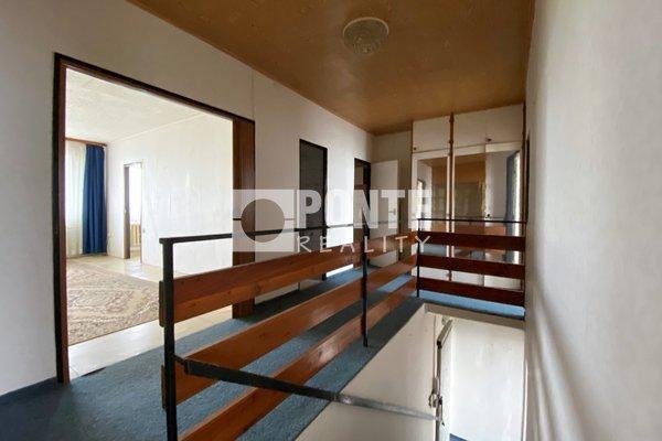 Prodej patrového bytu 4+1 s lodžií, 81 m2, Praha 4 - Krč, OV, 6. a 7.NP, panel