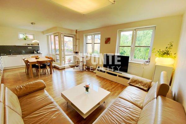 Prodej krásného bytu 3+kk, 91m², balkon, sklep, 2 parkovací stání, Praha 9 - Čakovice, OV, 2.NP, cihla