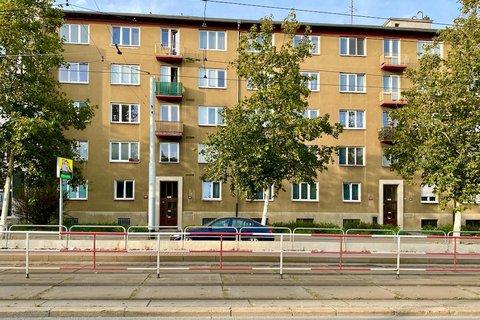 Prodej bytu 2+1 Koněvova Praha Žižkov realitní makléř • realitní kancelář • realitní služby nejen v