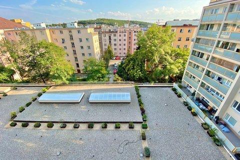Prodej družstevního bytu Vršovická Vršovice Praha 10 realitní makléř • realitní kancelář • realitní
