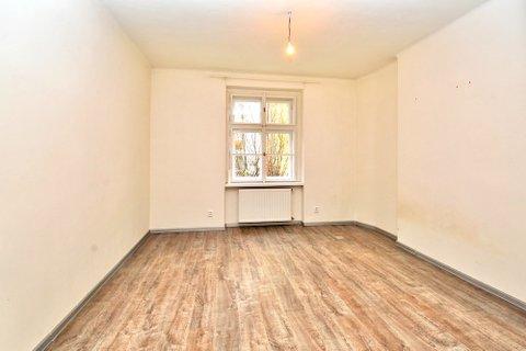 Prodej  bytu Koněvova realitní makléř • realitní kancelář • realitní služby nejen v Praze x4