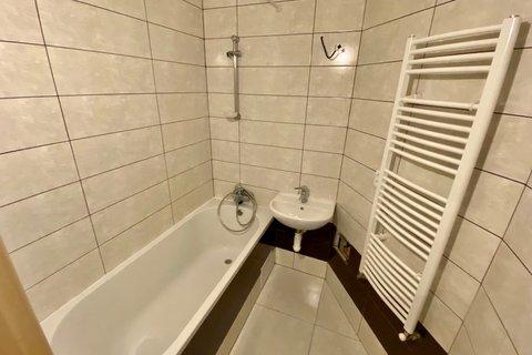 Prodej  bytu Koněvova realitní makléř • realitní kancelář • realitní služby nejen v Praze x3