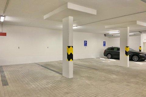 Pronájem bytu Pacholíkova realitní makléř • realitní kancelář • realitní služby nejen v Praze x17