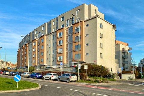 Prodej bytu Počernická realitní makléř • realitní kancelář • realitní služby nejen v Praze x5