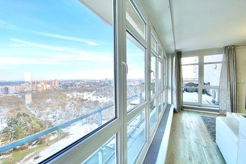 Pronájem bytu V Štíhlách, Krč, dvě gáráže realitní makléř • realitní kancelář • realitní služby neje