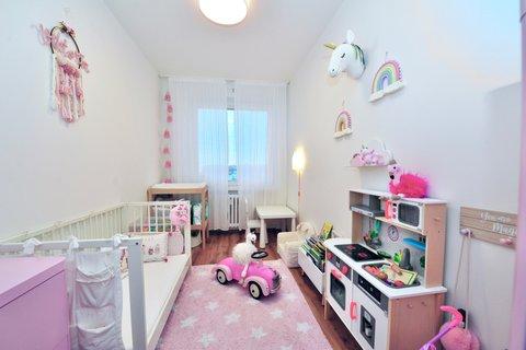 Prodej bytu Tupolevova realitní makléř • realitní kancelář • realitní služby nejen v Praze211