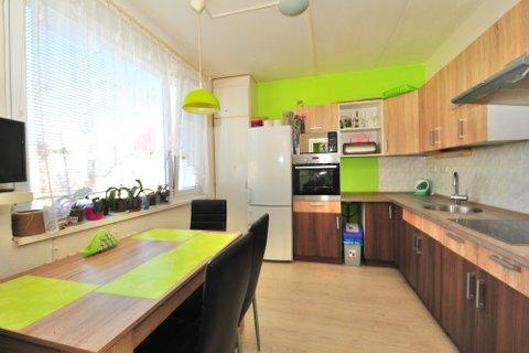 Prodej bytu 3+1 Milovice realitní makléř • realitní kancelář • realitní služby nejen v Praze8